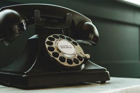 objetos antiguos, teléfono antiguo