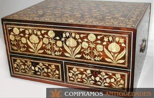 Cofre de madera antiguo, precio de las cajas de colección antiguas