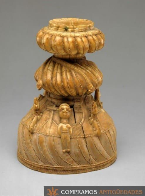 candelabro de marfil