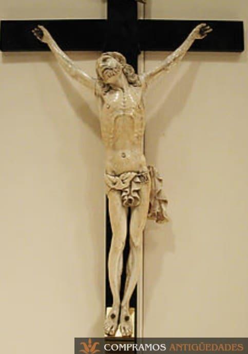 cristo de marfil antiguo