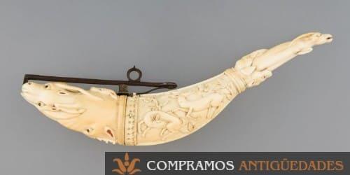 objetos antiguos fabricados con marfil