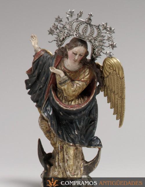 Escultura antigua Bernardo Legarda Quito