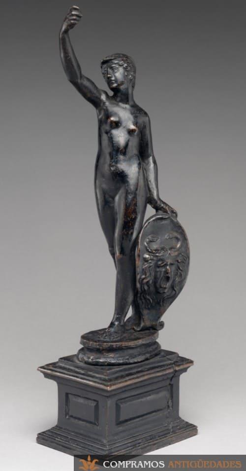 Escultura antigua bronce Minerva escudo