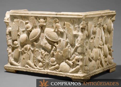 Marmol escultua antigua escudos