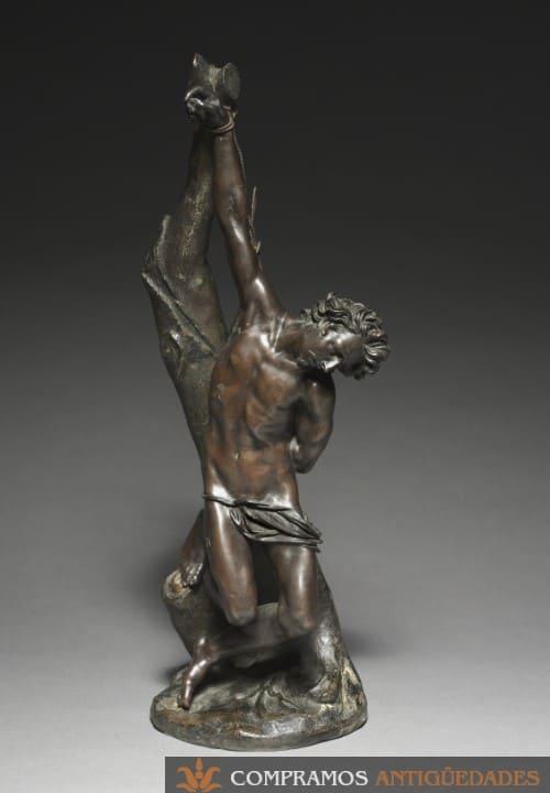 Esculturaantigua de san Sebastián en bronce