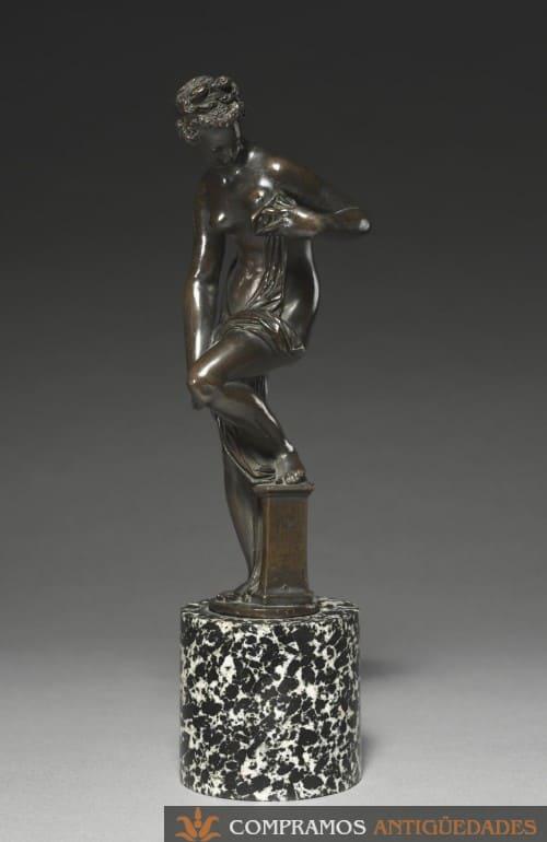 escultura antigua original fabricada en bronce, compra venta de esculturas de bronce antiguas