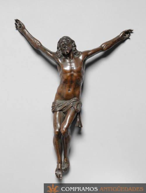 Cristo de bronce antiguo