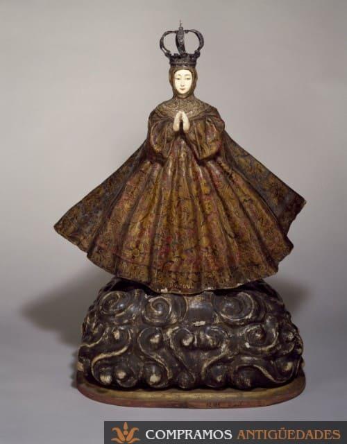 Escultura antigua hispano filipina en madera y marfil, escultura de madera y marfil, compramos esculturas antiguas en Madrid y España, expertos en la compra venta online de esculturas del siglo XV, XVI,XVI, XVIII...